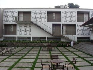 Concordia Hotel Bandung - Tan Tjiang Ay. Jl. Kiputih 12, Ciumbuleuit, Bandung, Indonesia 40142