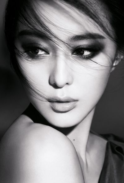 """Fan Bingbing ❁❁❁Thanks, Pinterest Pinners, for stopping by, viewing, re-pinning, & following my boards. Have a beautiful day! ❁❁❁ **<>**✮✮""""Feel free to share on Pinterest""""✮✮"""" #fashionupdates"""