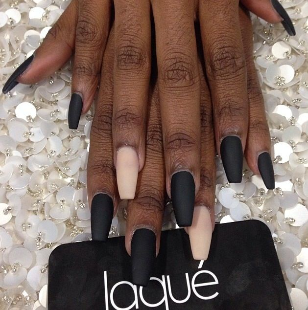 Nude and black nail #laquenailbar