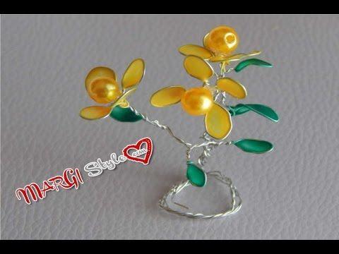 Accessori fai da te: fiori con fil di ferro e smalto