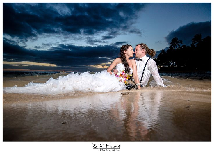 www.rightframe.net - Destination sunset wedding on the beautiful Secret Beach, Ko'Olina , Oahu. Hawaii, photography, photographer, photographers, weddings, photos, photo, picture, pictures, pic, bride, groom, hawaiian, romantic, ideas, idea, couple, bouquet, lei, Waikiki, honolulu,  trash the dress, beach, blue, pose, poses, Waikiki, honolulu,  inspiring, portrait, portraits, posing, session, fun, love, holiday, vacation, dress, pre wedding, koolina,