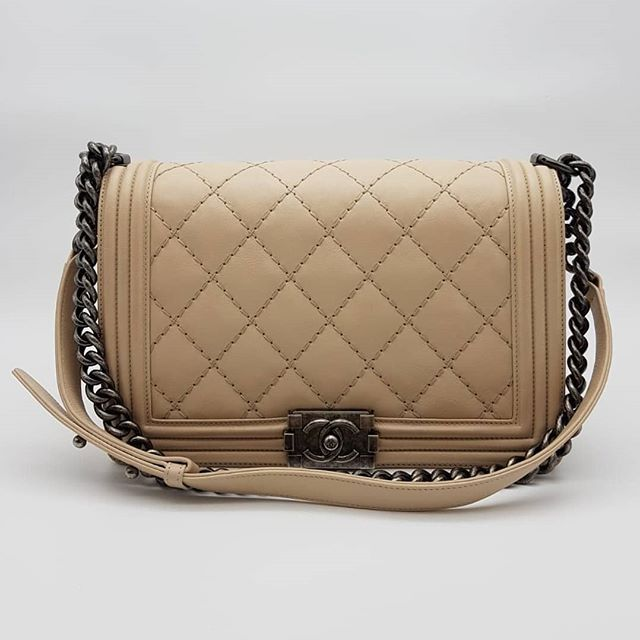 4200 wire. Preloved Chanel Double Stitch Boy Flap Bag New
