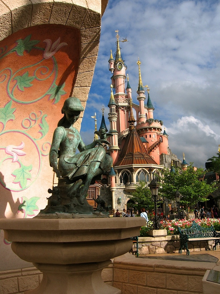 Cinderella Fountain, Disneyland Paris