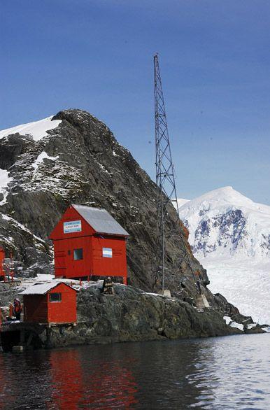 Antártida: Base Brown en Bahía Paraíso