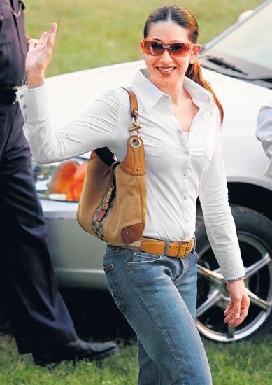 White shirt and blue jeans- Eternal Fashion Trend!Karisma ...