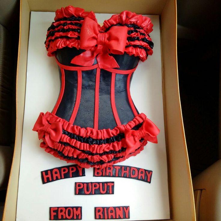 #mygift #birthdaycake #birthdaysurprise #chocolatelayer #customcake #sugargalerie #sg