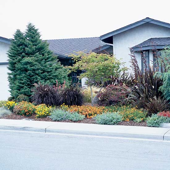 1000 ideas about small front yards on pinterest small for How much to landscape a small front yard