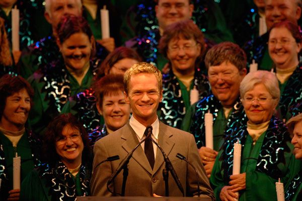 Candlelight Processional Narrators for 2013 Gary Sinise,  AshleyJudd  and Dennis Haysberg added