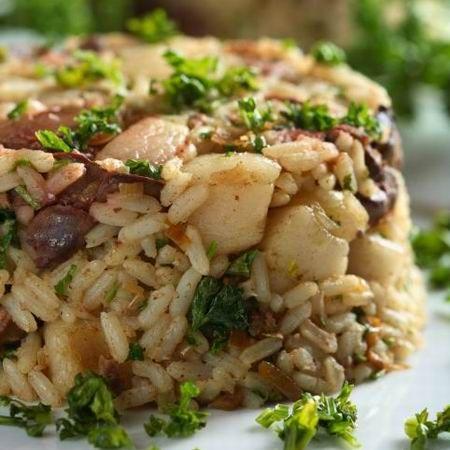 Egy finom Fehérboros-csirkemájas rizottó ebédre vagy vacsorára? Fehérboros-csirkemájas rizottó Receptek a Mindmegette.hu Recept gyűjteményében!