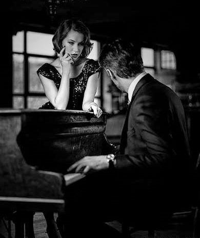 """Ti ho vista, sbalordito, che tremavi sulla porta del mio cuore e ho scelto te. In quel momento mi sono immaginato poeta per accarezzare parole che sapessero parlare al tuo cuore, ho sognato di essere un musicista capace di suonare note che potessero arrivare alle corde più profonde della tua anima.  (Fabio Nicola Vitale, da """"Emozioni per caso"""")"""