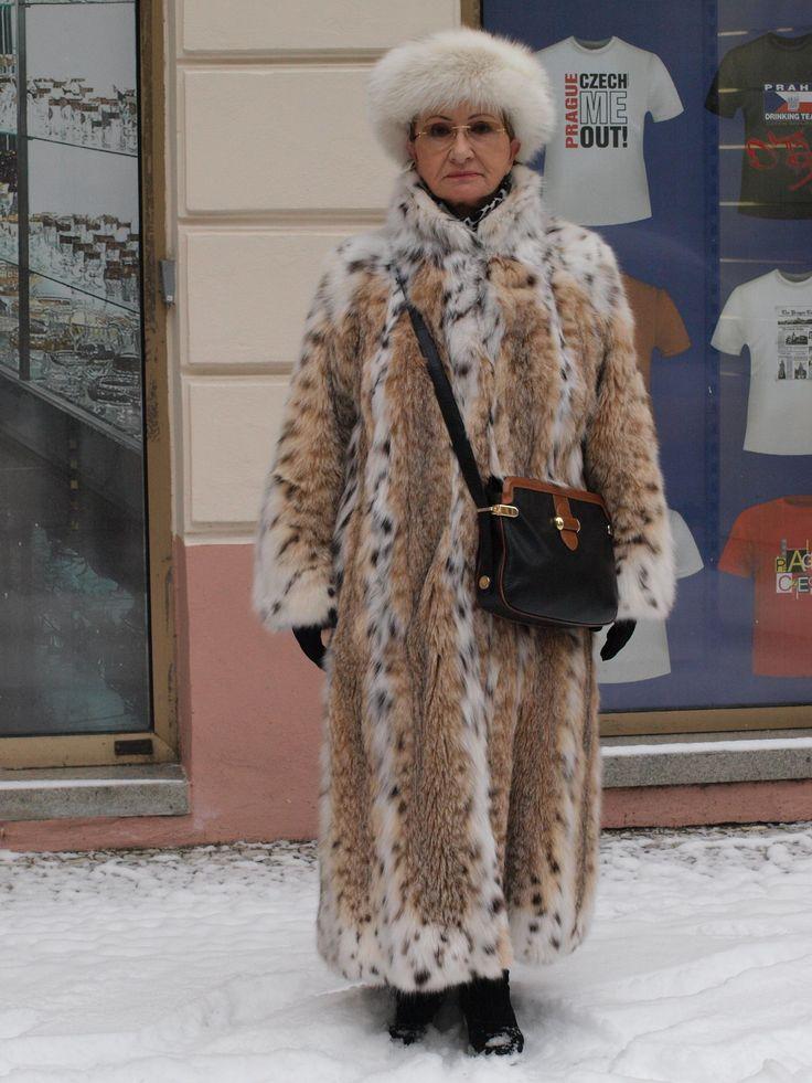 Mature Lady In Full Lenght Lynx Coat My Shot Of Prague
