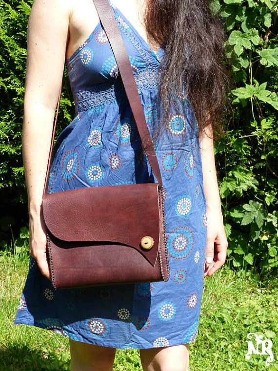 WoolyMossRoots button in reclaimed hickory wood on handmade leather bag by tetedelinoth,