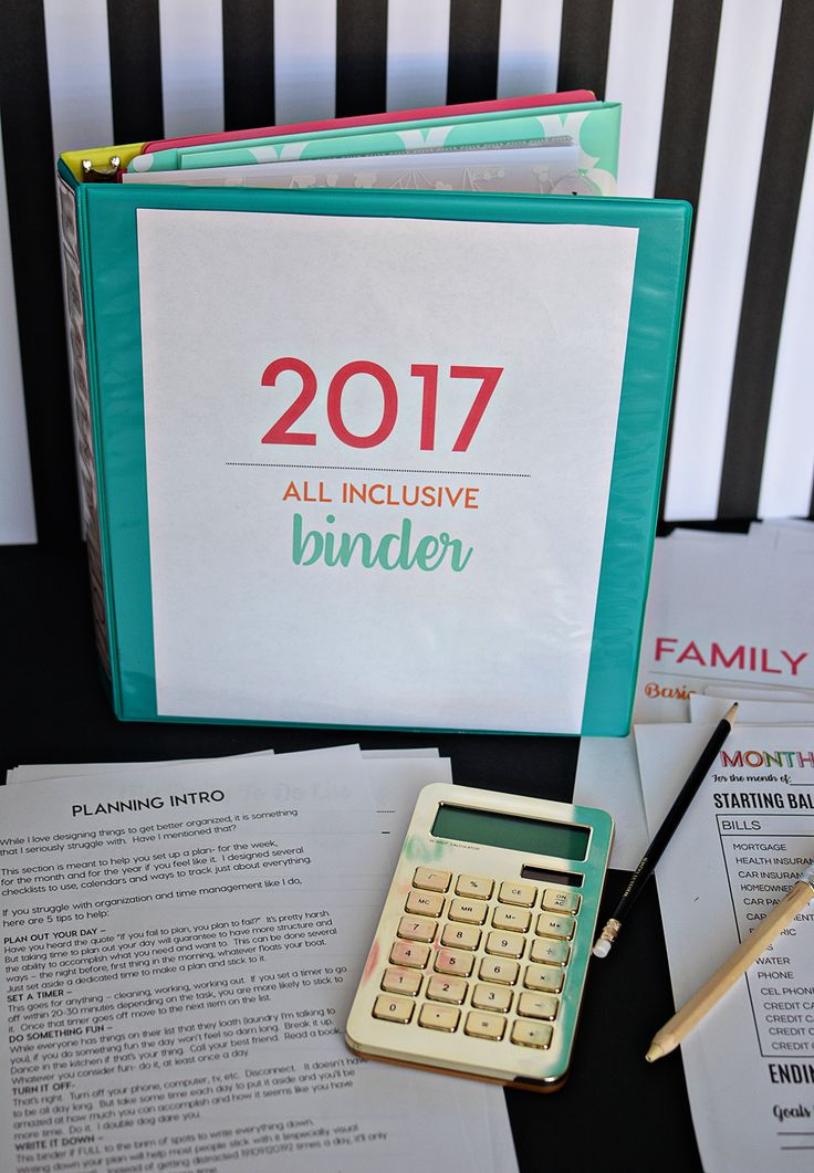 2017 All Inclusive Binder - make 2017 the year that you get (and stay) organized.  This will help you do just that!