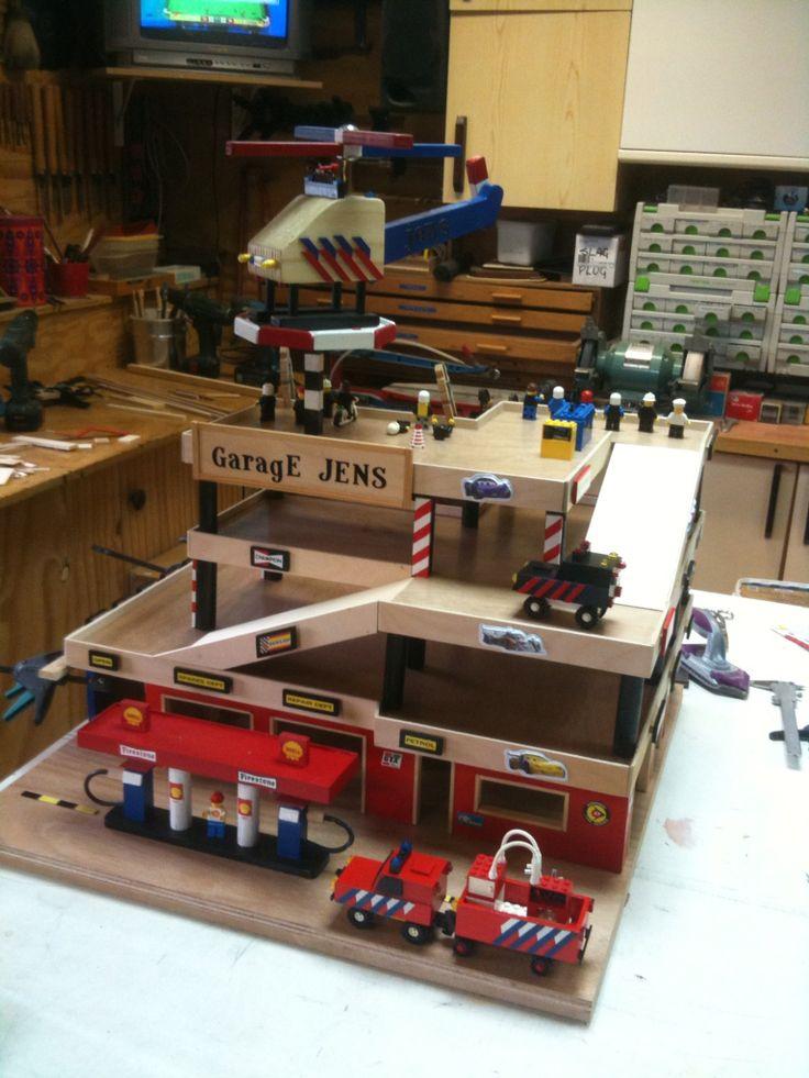42 best images about meubels en speelgoed van hout on for Ladeblok garage