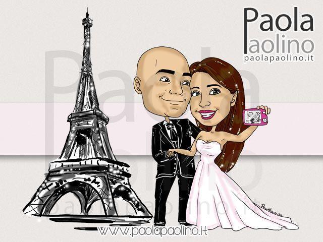 Caricatura con selfie degli sposi che fanno l'autoscatto davanti a quella che sarà la loro meta del viaggio di nozze!  #caricatura #caricaturista #nozze#sposi #selfie #torreeiffel
