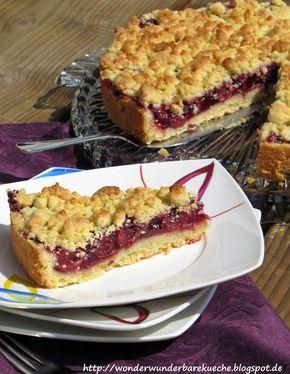 Kirsch-Streusel-Kuchen Wie ihr bestimmt schon mitbekommen habt, sind Sandra und ich totale Streuselfanatiker! Deswegen kommen bei fast...