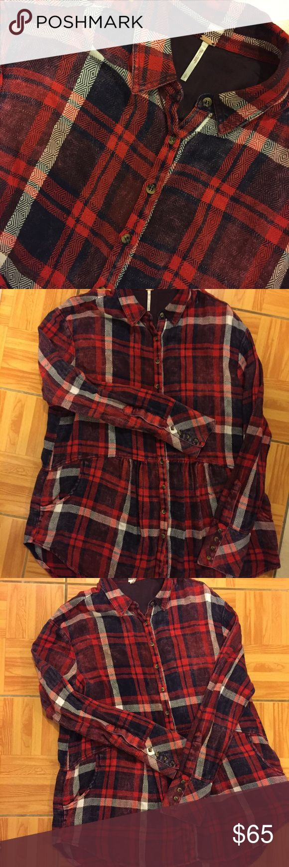 NWOT Free People Plaid Flannel Tunic w/ Pockets •new without tags! •58% Rayon, 42% Polyester  •Peplum style •has pockets •oversized, can fit an XL  🌻NO TRADES 🌻OFFERS WELCOMED! 🌻BUNDLE TO SAVE  🌻FEEL FREE TO ASK ANY QUESTIONS Free People Tops Tunics