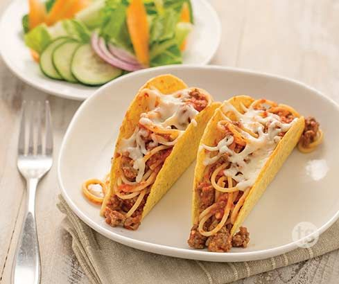 Mama Mia Spaghetti Tacos Recipe │Your kids will love these spaghetti tacos for a fun weeknight meal! Serve with a garden salad for an easy side dish.