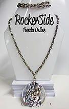 Collar con medalla. $20.000 Adquierelo en www.rockerside.com Envíos a todo Colombia, aceptamos todos los medios de pago