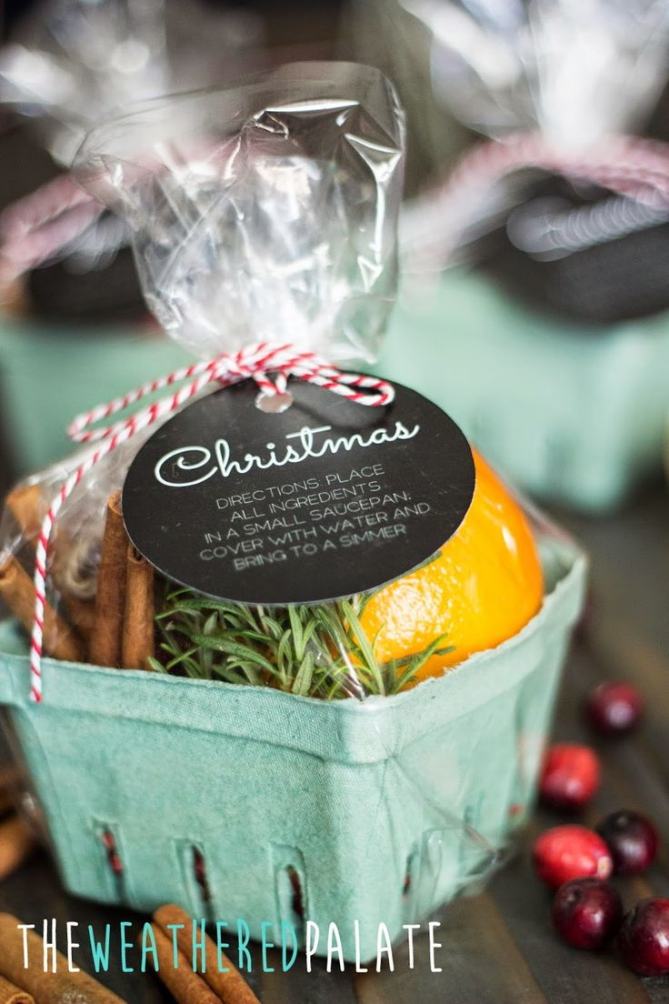 Christmas Stove-top Scents {with free printables}