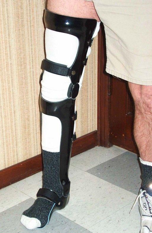 23cf834e32 Example of Knee Ankle Foot Orthosis | 01Exoskeleton外骨骼 in 2019 | Sore toe,  Knee brace, Braces