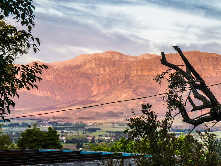 Views from this Paarl home on a quite Cul-de-sac.