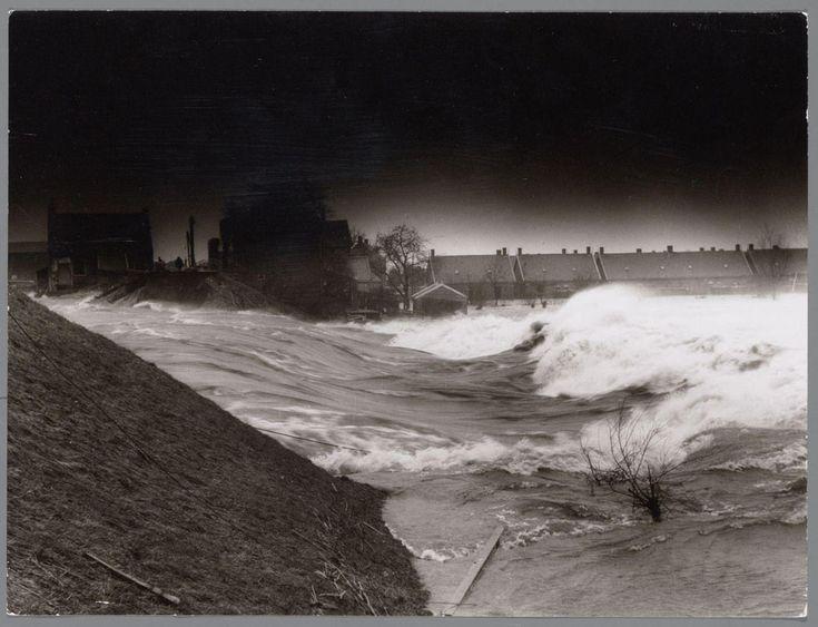 Watersnoodramp 1953 - Dijkdoorbraak in de Alblasserwaard bij Papendrecht - Watersnood van 1953 - Wikipedia