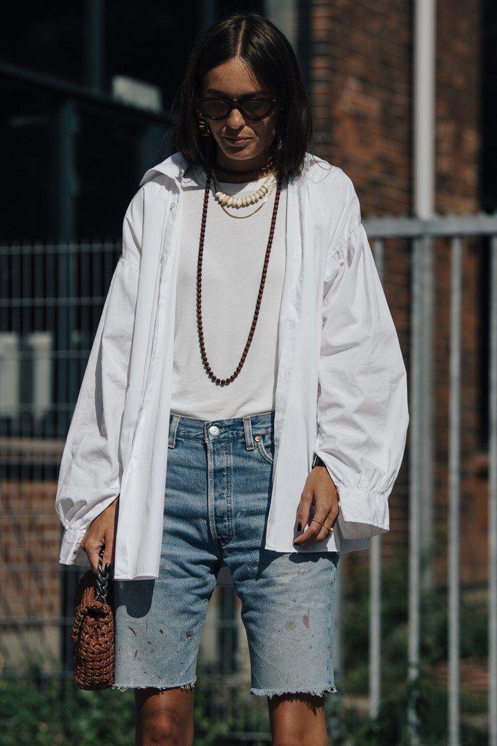 Street style : comment porter la chemise blanche cet été ?