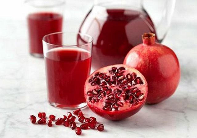 Pomegranate is a jewel, loaded with amazing health benefits. Benefits of Pomegranate Juice are enormous. Read this article how it helps to recover diseases.