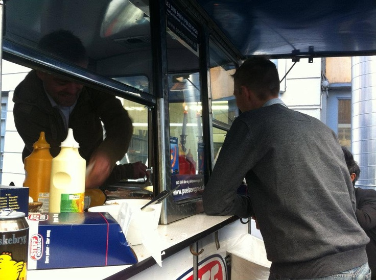 Jesper brought a hot dog stand outside our office. Good day at work with Danish hot dogs and sodas