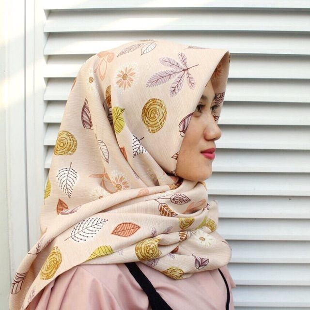 Saya menjual Hijab Segi Empat seharga Rp53.000. Dapatkan produk ini hanya di Shopee! https://shopee.co.id/veils/400789830/ #ShopeeID