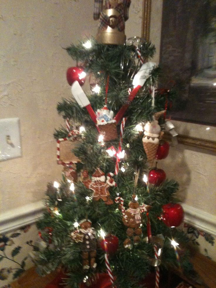 Unique Christmas Trees: Cooking/Kitchen Themed Christmas Tree
