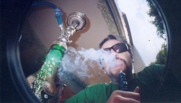 Chicha : cancers, insuffisances respiratoires... C'est aussi nocif que le tabac - le Plus