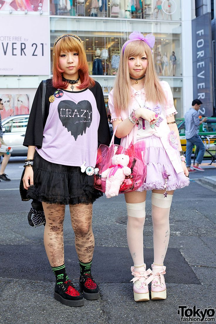 Fun girls in HellcatPunks, Milklim, Dazzlin & Snidel on the street in Harajuku. (I wanna meet these girls, their favourite bands are LM.C, SuG and SID~! And they have super cute fashion ;___;)