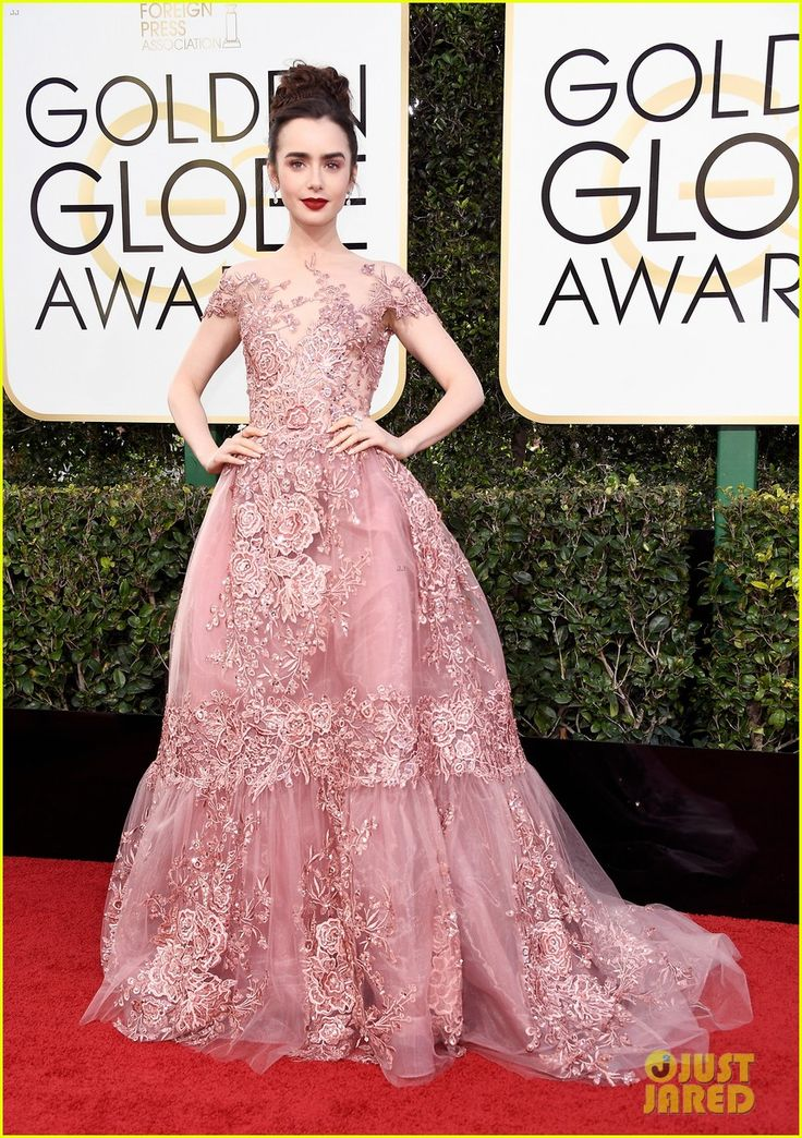 Lily Collins wearing a Zuhair Murad Couture A-line dress at the Golden Globes Awards 2017!