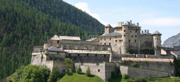 A feudal bastion in the mountains