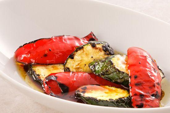 ズッキーニと赤パプリカの醤油だれマリネ