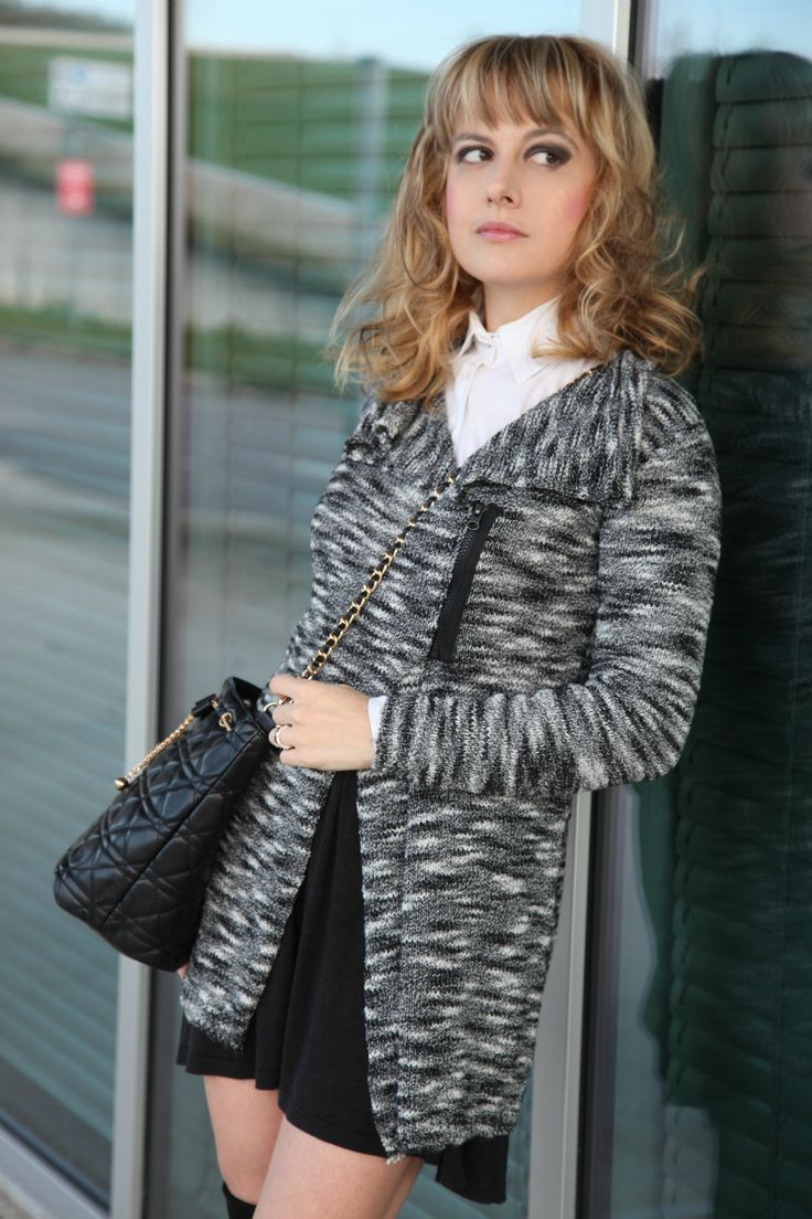 TheChiliCool Fashion Blog Italia » Fashion Blogger italiane moda ItaliaIl nero, la luce ed anelli preziosi » TheChiliCool Fashion Blog Italia COAT MIAWISH GONNA MIAWISH