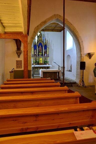 Tamovice. Kostel sv. Kateřiny. Plochostrop. presb., lom. triumf. oblouk.