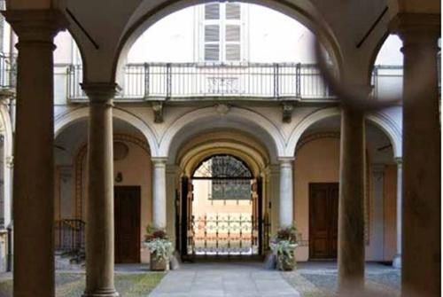 Palazzo Aldobrandini Biandrate di San Giorgio Via delle Orfane, 6 - 10122 Torino
