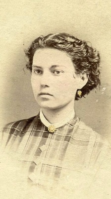Uncommon documentation of short hair on an adult during the mid 19th century. Possibly cut off due to illness.