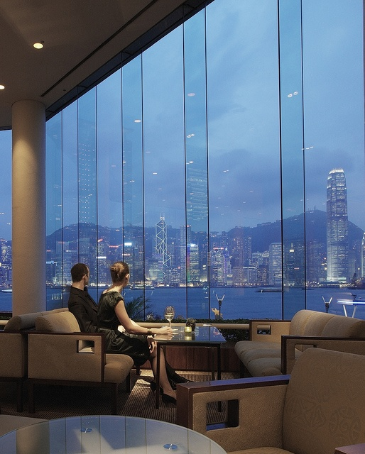 InterContinental Hong Kong enjoys one of the best locations in town, right in front of Victoria Harbour… Sink into one of the comfy couches around the lobby and enjoy the breathtaking views...