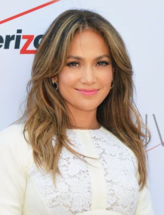 She's so stunning. Love her natural waves and simple make-up #myfashionicon