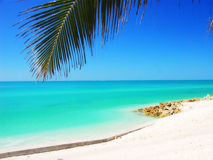 What makes Florida's Siesta Beach unique is first and foremost its cool, white…