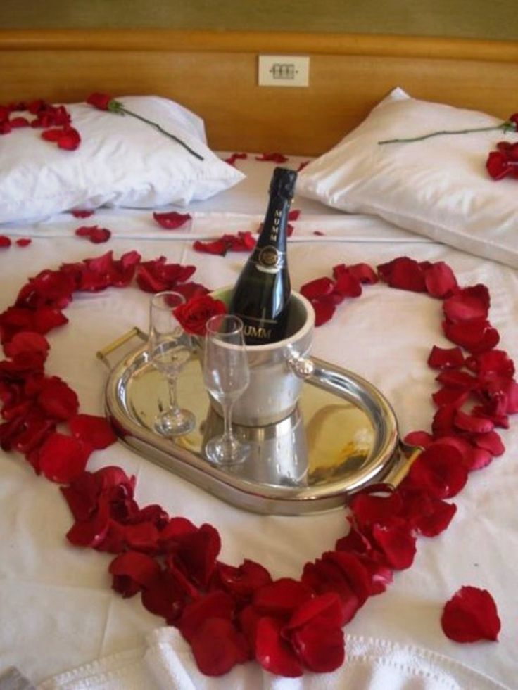 Red valentine home decorating ideas real house design for Room decor valentines