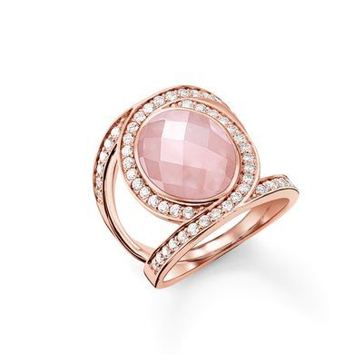 THE ETERNITY OF LOVE cocktail ring with 18k rose gold plating its eternal radiance.