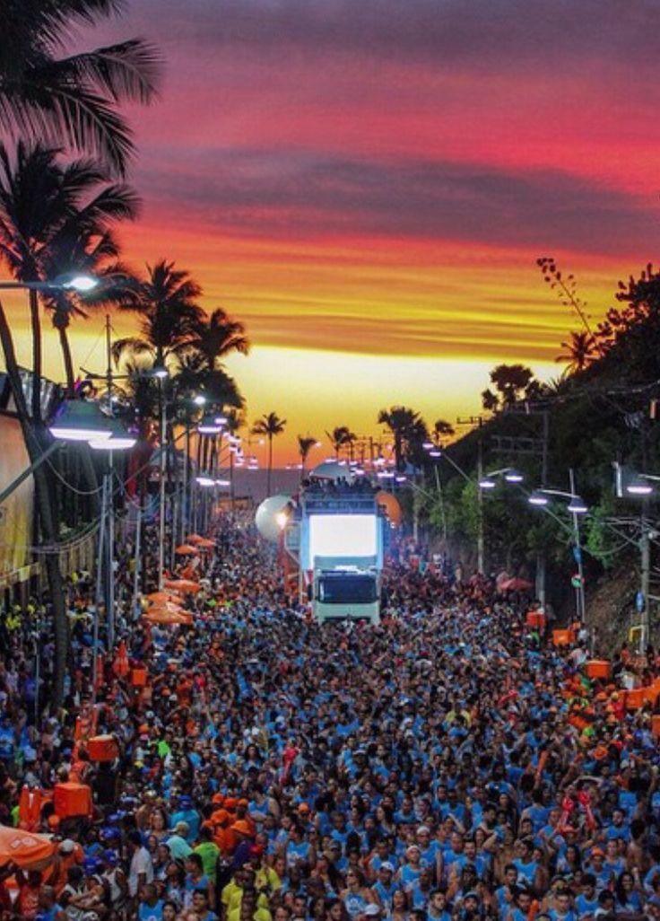 image Carnaval de salvador bahia chupando buceta