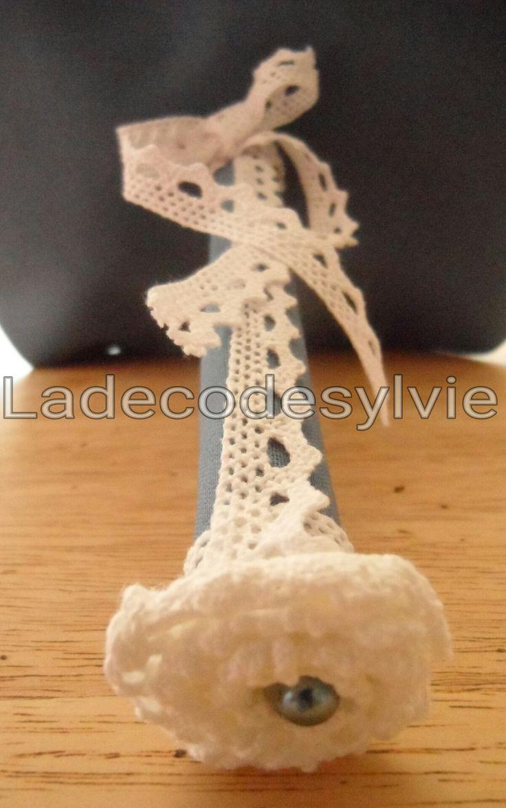 Bouquet de Mariée en tissu bleu et blanc http://Ladecodesylvie.fr #mariage #wedding #bleu #blanc #mariage #bouquet #mariée #fleurs #flowers