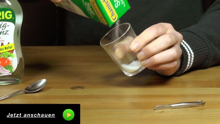 In diesem Video zeige ich euch einen coolen Liefehack wie Ihr mit Essig und Kochsalz super Metalle und Münzen reinigen könnt. Das ganze ist auch sehr gut als biologischer Unkrautvernichter zu gebrauchen.  #Experimente #Wissenschaft #Lifehack #Essig #reinigen