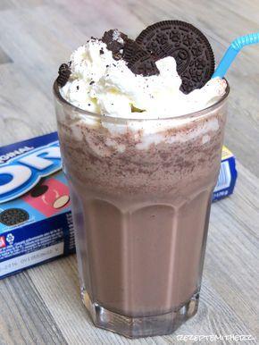 Im Sommer dürfen Frappuccinos nicht fehlen.   Heute gibt es einen Frappe mit Vanilleeis, Kakao und Oreo Keksen darin.  Garniert mit Sahne u...
